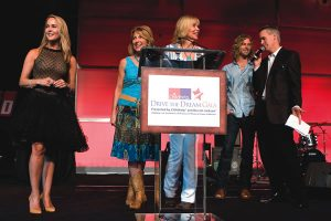 - Erin-Murphy-Diana-Miner-Patti-Edwards-Casey-James-and-auctioneer-Jim-Ny-300x200