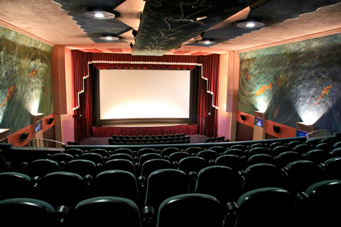 We Believe Luxury Theaters Are The Way Of Future Jessica Says It 39 S Hardly Difficult To Understand Why With Gourmet Fare And Lounge Style Seating