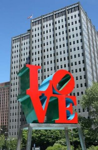 Love sculpture at Scottsdale Civic Center Mall | Photo by Karoline Cullen/Shutterstock